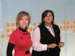 Inmaculada López y Cesárea Arnedo en la sede del PP de Albacete.