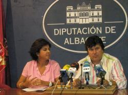 Mari Carmen Martín y Antonio Serrano, en la rueda de prensa.