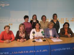 Mujeres del Partido Popular, en la sede.