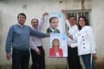 Pegada de carteles en Villarrobledo.
