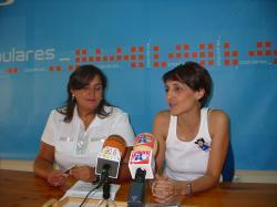 Cesárea Arnedo y Sonia Martínez, en Hellín.