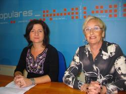 Rosa Pilar Sáez y Marisefa Andújar.