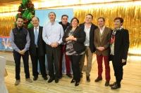 Cesárea Arnedo y Antonio Martínez con algunos de los miembros del PP de Casas Ibáñez.