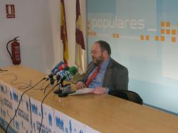 Dimas Cuevas, en la sede del PP.