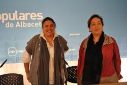 Cesárea Arnedo y Marisa Soriano, en la sede provincial.