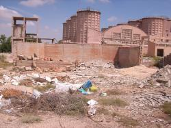 Antigua fábrica en estado de ruina.
