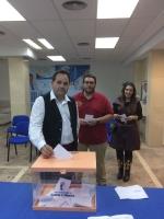 Francisco Núñez votó en la sede del PP de Almansa.