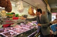 Javier Cuenca en el Mercado de Villacerrada.