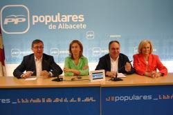 Marcial Marín, Ana Guarinos, Vicente Tirado y Carmen Bayod, en la sede del PP.