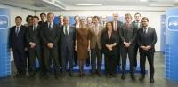 Primera reunión de los componentes del Manifiesto Electoral en la sede del PP nacional.