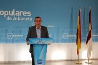 El senador Vicente Aroca, en la rueda de prensa de hoy.