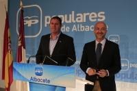 Juan Marcos Molina y Ernesto Javier Ballesteros en rueda de prensa.