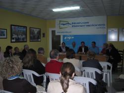 Reunión con afiliados del PP de La Roda.
