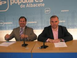 Antonio González y Constantino Berruga, en la sede provincial.