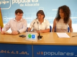 En la imagen, Cesárea Arnedo, Max Monasor y Cristina Molina en la presentación de esta última como presidenta de NNGG.