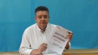 Juan Antonio Moreno, durante la rueda de prensa en la sede del PP de Hellín.