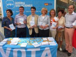 Mesa informativa en Albacete.