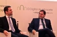 El secretario general del PP, García Egea, junto a Paco Núñez.