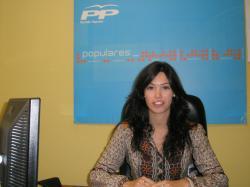 Patricia Denia, al frente del PP de La Gineta.