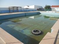 En la imagen, el aspecto de la piscina municipal de Albatana a día de hoy.