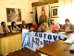Reunión en el Ayuntamiento de Iznatoraf.