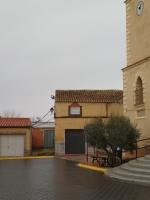 Plaza de la Iglesia de Hoya Gonzalo.