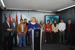La Alcaldesa de Albacete aplica las mismas políticas económicas que Zapatero y Barreda, huidas hacia delante, sin tomar medidas mientras que proveedores y asociaciones no cobran.