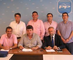Reunión de representantes de la Federación de Municipios con portavoces del PP en las Diputaciones.