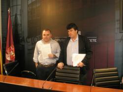 Constantino Berruga y Antonio Serrano, en la sala de prensa de la Diputación.