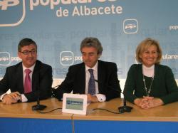 Marcial Marín, Leandro Esteban y Carmen Bayod.
