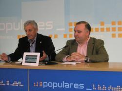 Sixto González y Constantino Berruga, en la sede provincial del PP.