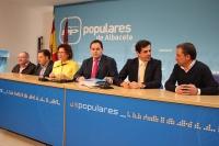 Carmen Riolobos y Francisco Núñez en rueda de prensa.