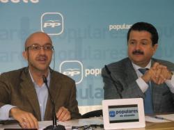 Juan Marcos Molina y Antonio Rojas, en la sede provincial.