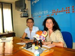 Las concejalas Sonia Martínez y Rosa Pilar Sáez.