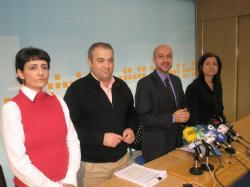Los concejales de Hellín, Sonia Martínez, Antonio Callejas y Rosa Pilar Sáez, junto al portavoz Juan Marcos Molina.
