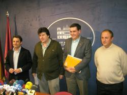 Los diputados provinciales Antonio Martínez y Antonio Serrano, junto a los portavoces del PP en Balazote y Lezuza.