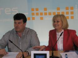 Antonio Serrano y Carmen Bayod, en la sede provincial.