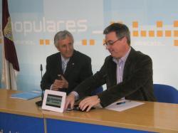 Sixto González y Fermín Cerdán, en la sede provincial del PP.