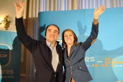 Valentín Bueno y María Dolores Cospedal, en Villarrobledo.
